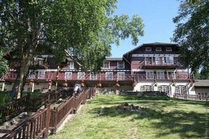 Lake McDonald Lodge