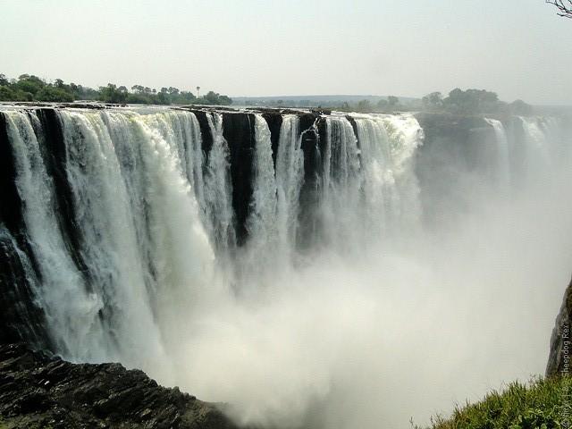 Victoria-Falls-12
