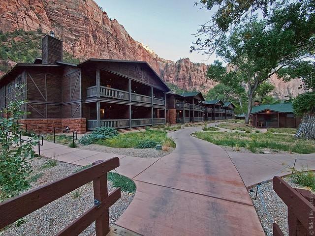 Zion-Lodge-06