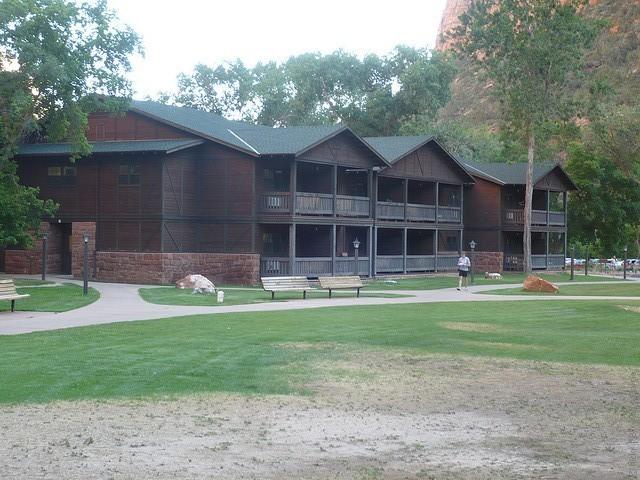 Zion-Lodge-11