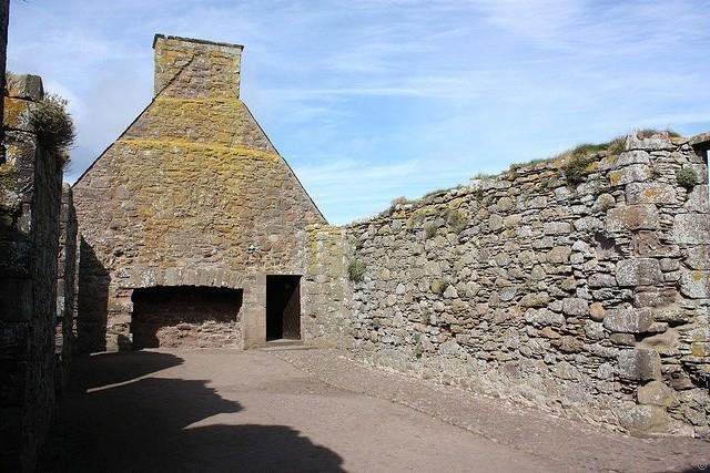 Замок Данноттар 16