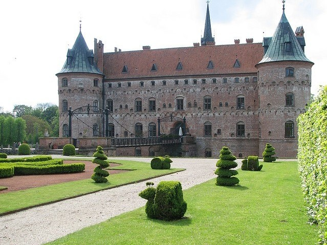 Замок Эгесков 05