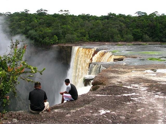 vodopad-Kayetur-09
