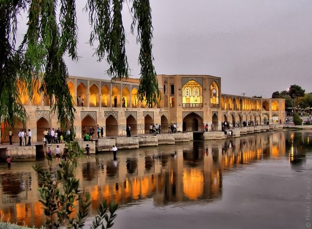 most-khadzhu-isfahan-01