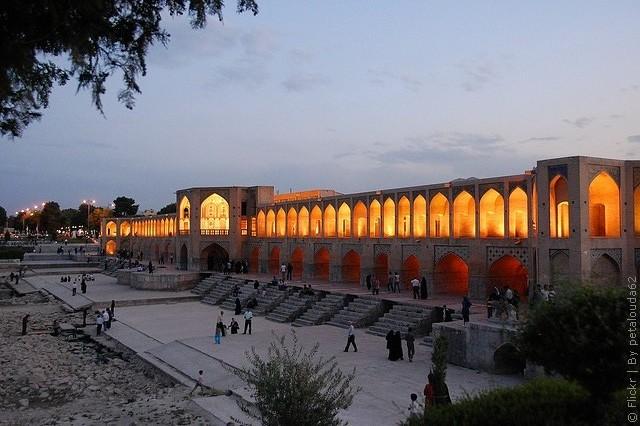 most-khadzhu-isfahan-03