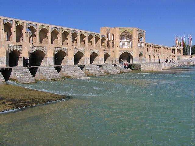 most-khadzhu-isfahan-04
