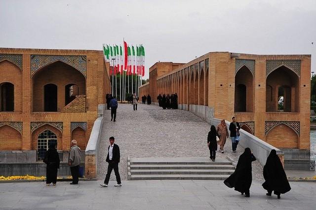 most-khadzhu-isfahan-05