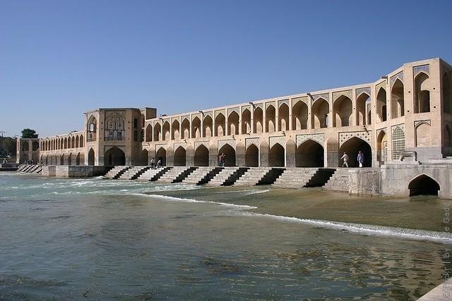 most-khadzhu-isfahan-06