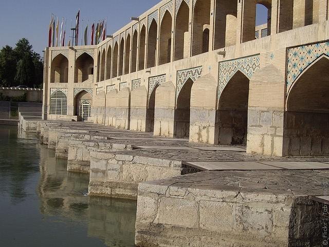 most-khadzhu-isfahan-07