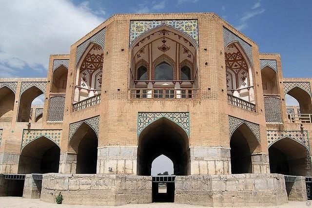 most-khadzhu-isfahan-08