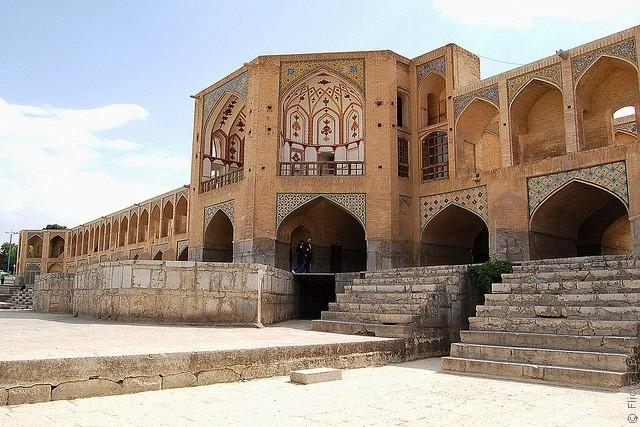 most-khadzhu-isfahan-10