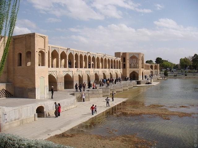 most-khadzhu-isfahan-13