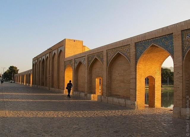 most-khadzhu-isfahan-17