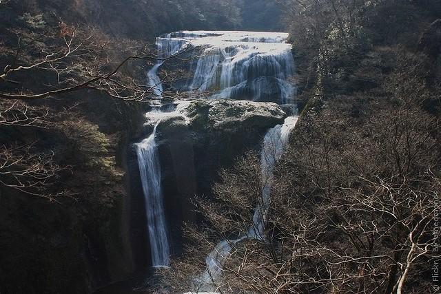 vodopad-fukuroda-03