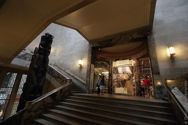 korolevskij-muzej-ontario-09