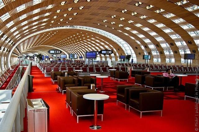 aeroport-imeni-sharlya-de-gollya-08