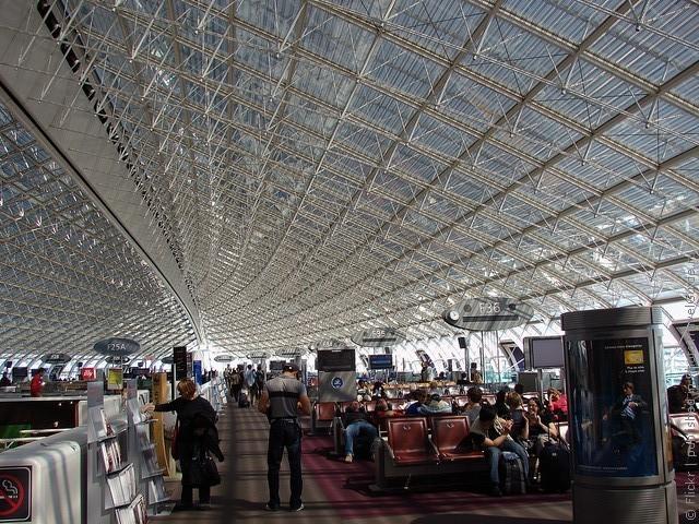 aeroport-imeni-sharlya-de-gollya-12
