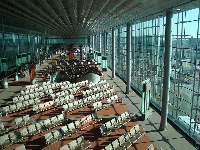 aeroport-imeni-sharlya-de-gollya-16