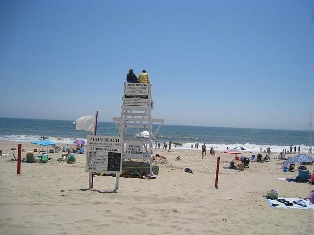 top10-main-beach