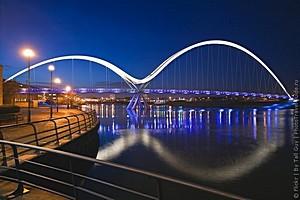 Самые зрелищные пешеходные мосты
