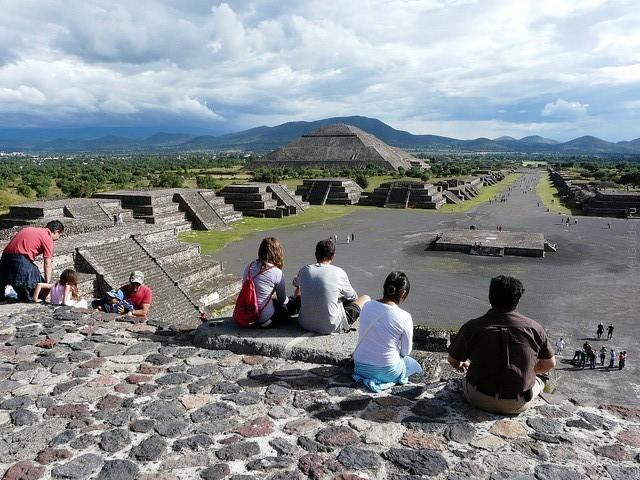 top10-piramidy-teotiuakana-1