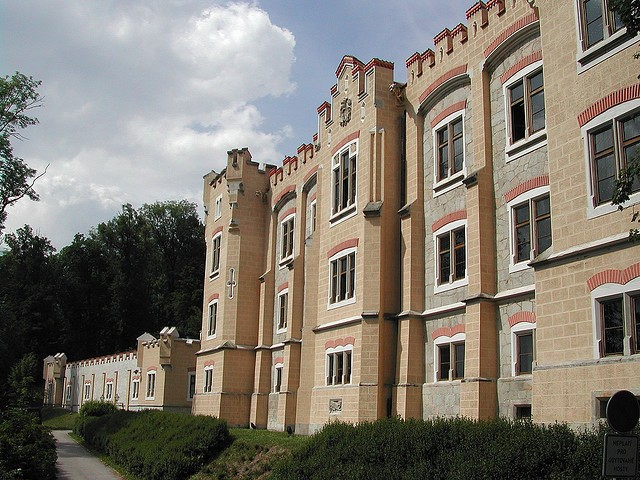 gluboka-nad-vltavoj-08