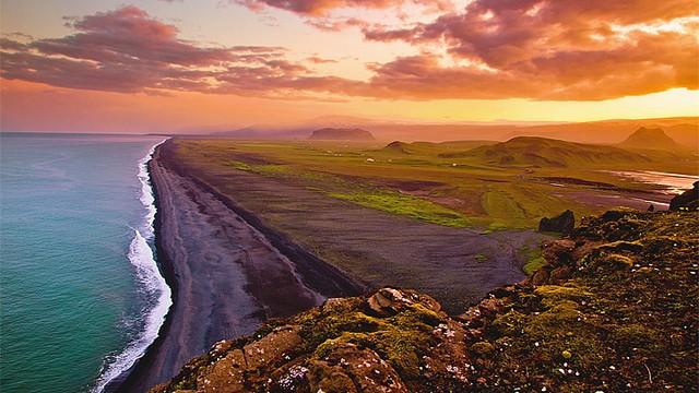 Полуночное Солнце, Исландия (видео)