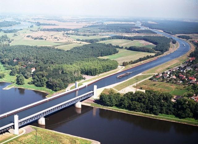 magdeburgskii-vodnyi-most-13