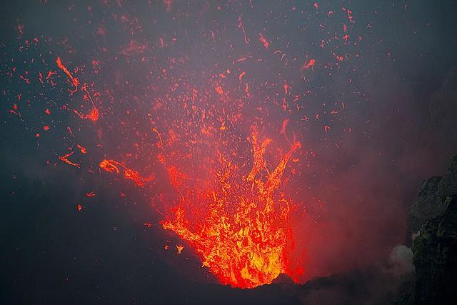 vulkan-yasur-03