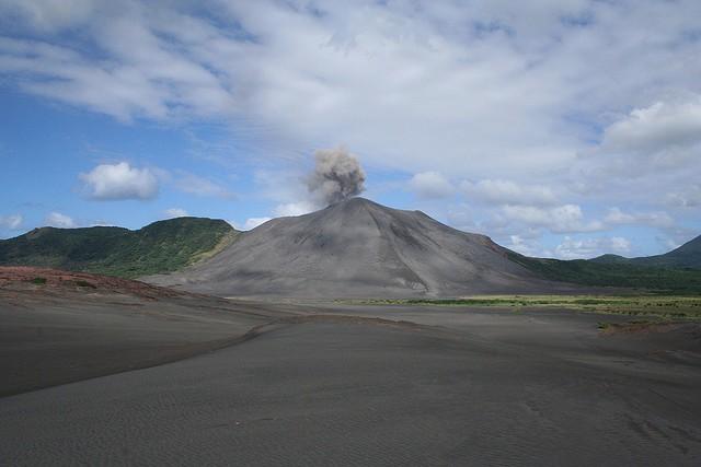 vulkan-yasur-06