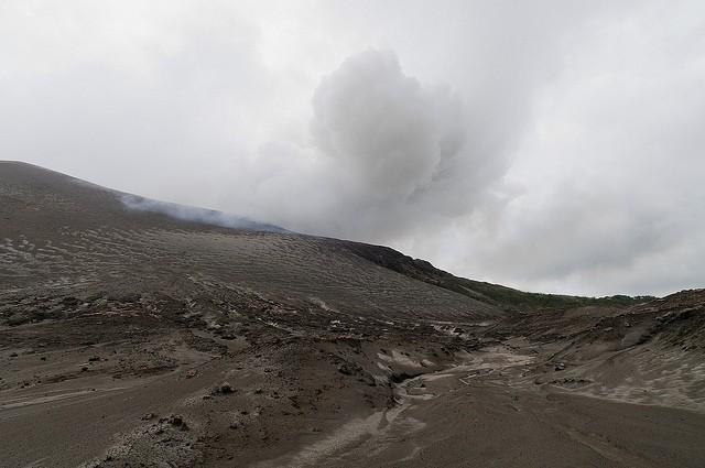 vulkan-yasur-08