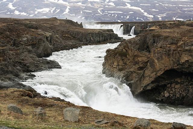 vodopad-godafoss-15