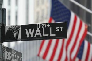 Уолл-стрит в Нью-Йорке
