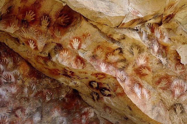 Картинки по запросу Зачем древний человек оставлял отпечатки своих ладоней на стенах пещер