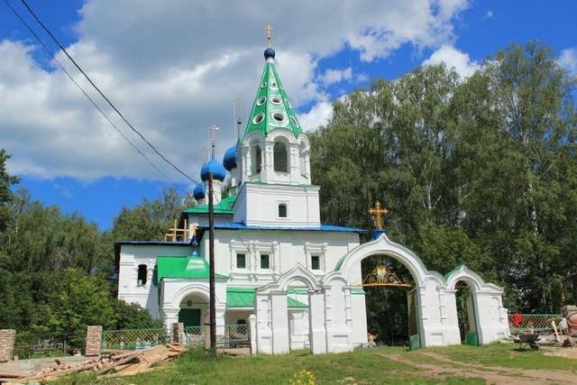 tserkov-troitsy-zhivonachalnoy