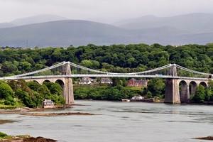Висячий мост через Менай