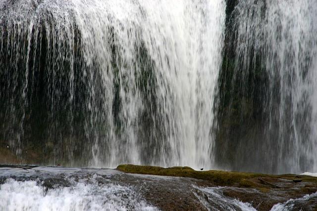 vodopad-huangoshu-15