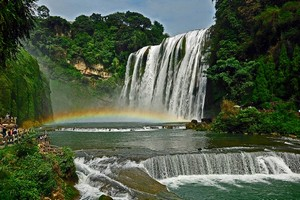 Водопад Хуангошу