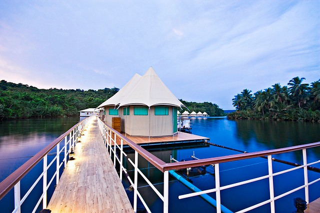 4-rivers-floating-lodge-02