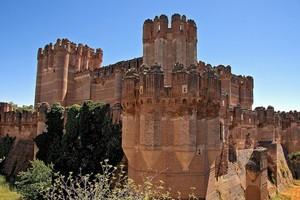 Замок Кока в Испании