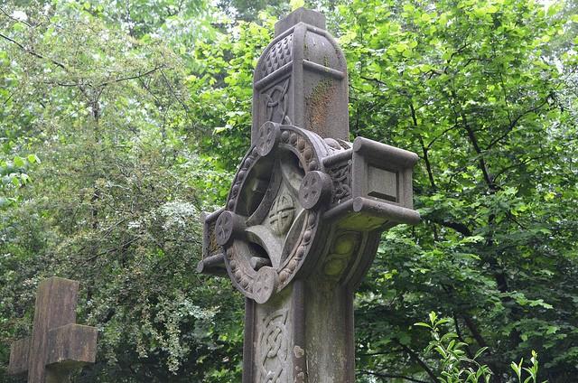 highgate-cemetery-03