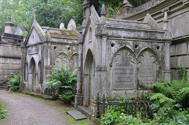 highgate-cemetery-04