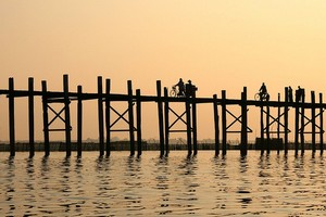 Деревянный мост Убэйн