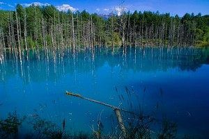 Голубой пруд Биэй