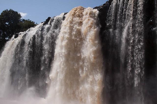 vodopady-golubogo-nila-06