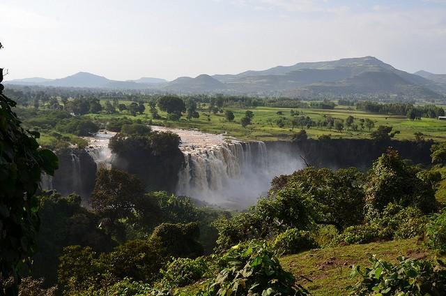 vodopady-golubogo-nila-12