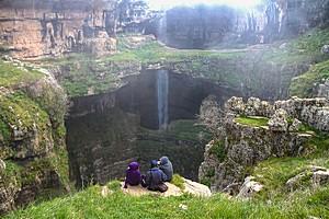Водопад Баатара (Пещера трех мостов)