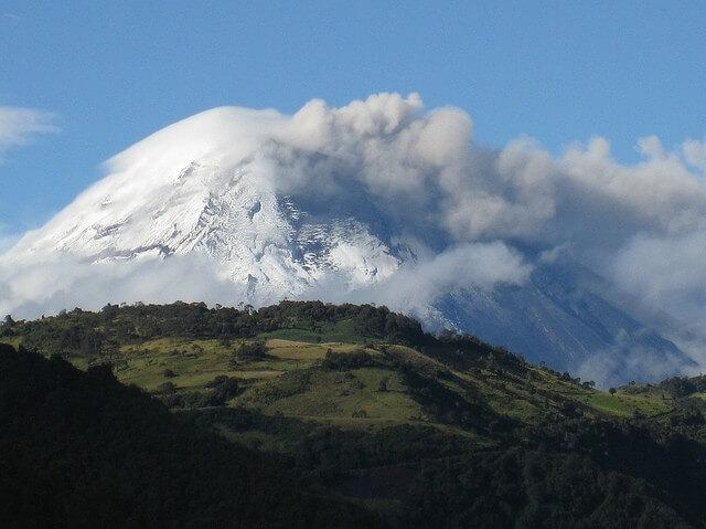 vulkan-chimboraso-02