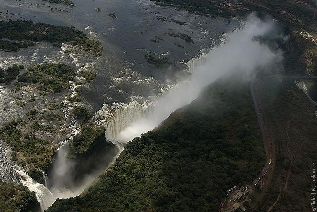Victoria-Falls-04