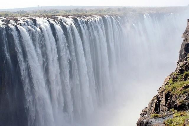 Victoria-Falls-05